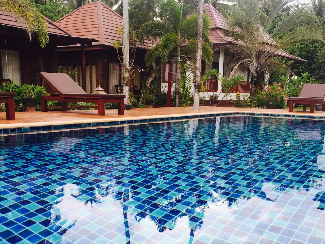 ไอ ทะเล รีสอร์ท (I-Talay Resort)