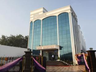 Hotel Madhushrie Агра