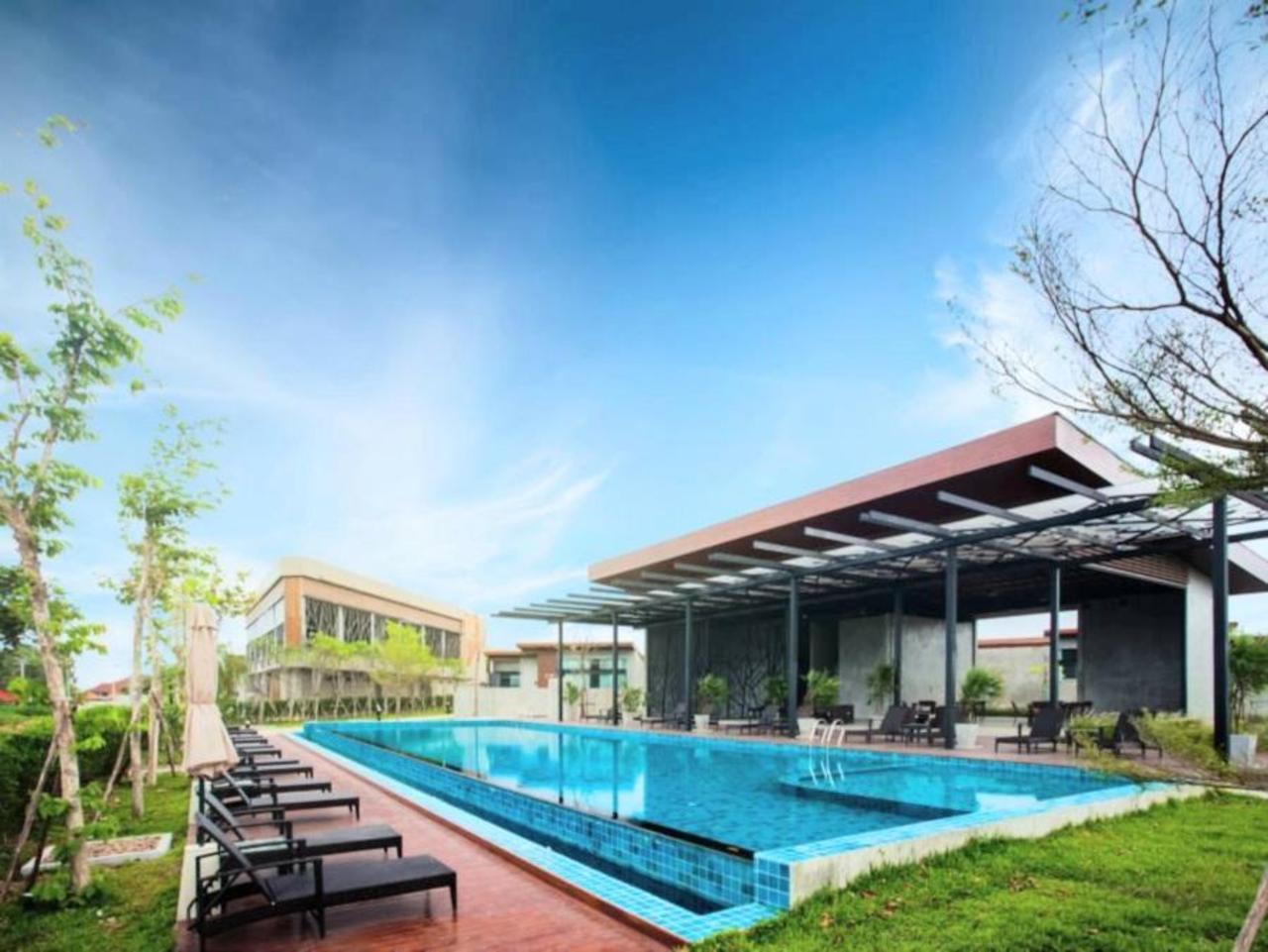 ซี ทู พูล วิลลา (Sea Two Pool Villa)