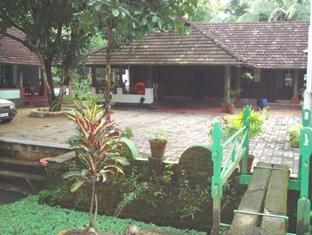 Kodianthara Heritage Farmhouse - Kumarakom