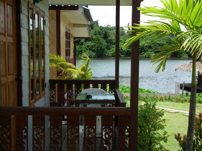 แบมบูยา รีสอร์ท - Bambooya Resort