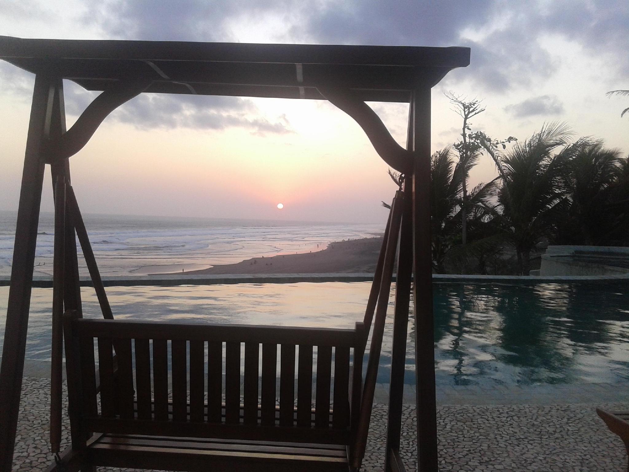 Queen Resort Hotel Romantis Di Pantai Parangtritis