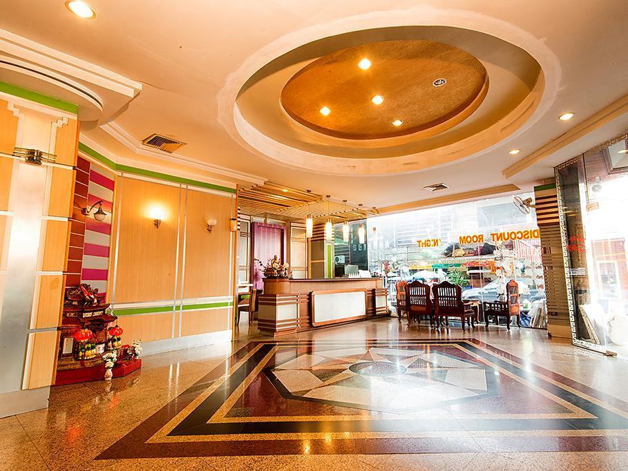 โรงแรมสาธิต - Satit Hotel