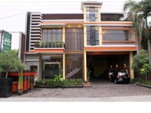 Java Land Hotel