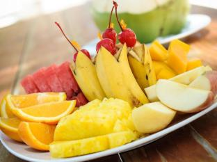 Bohol Beach Club Resort Panglao Island - seasonal fresh fruits