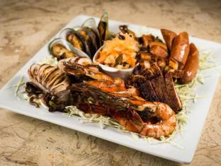 Bohol Beach Club Resort Panglao Island - mixed grilled platter