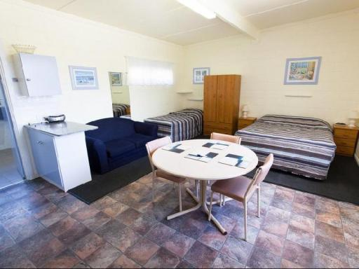 Modras Apartments Tumby Bay hotel accepts paypal in Eyre Peninsula