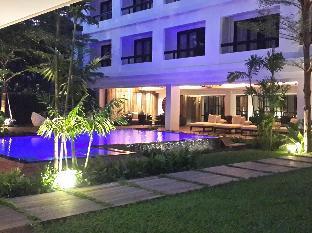 UMA Residence discount