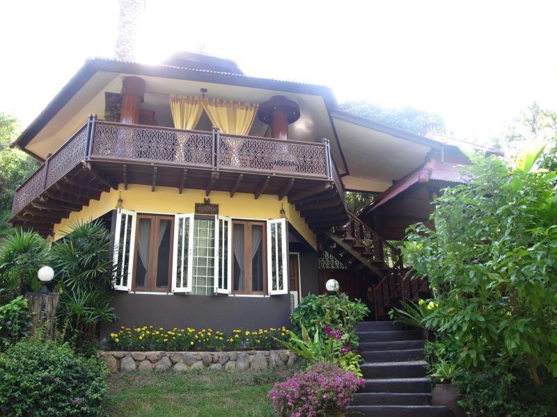 班鲁克特度假村,บ้านลูกท้อ รีสอร์ท