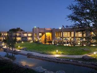 ➦  Legacy Hotels    (Windhoek) customer rating