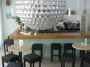 Best guest rating in Colonia Sant Jordi ➦ Hostal Colonial takes PayPal