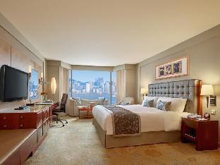 Kowloon Shangri-la Hotel guestroom junior suite