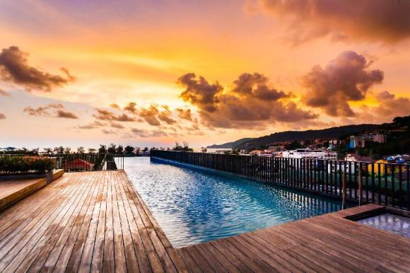 D22 - Luxury Patong Beach 44 sqm (NO HIDDEN FEES) for 2 with Pool & Gym! - 57419916