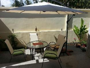 Khanom Garden Suite Resort guestroom junior suite
