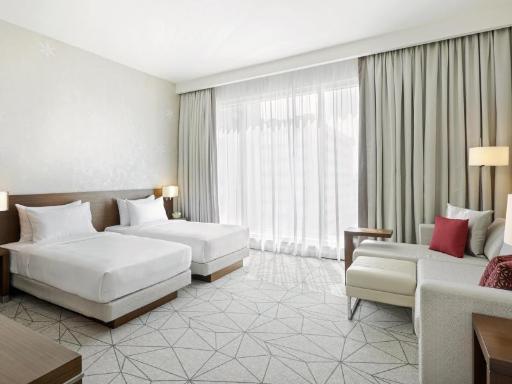 ➦  Hyatt Hotels    (Dubai) customer rating