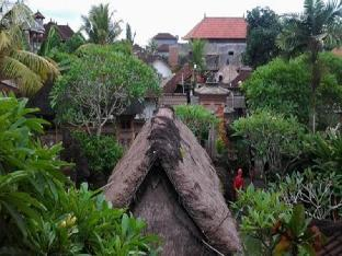 Den Den Mushi Guesthouse