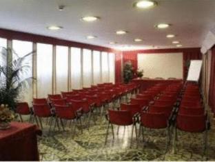 Hotel Terminus And Plaza Pisa - Meeting Room