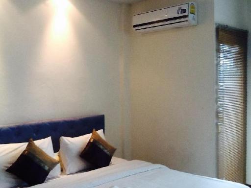 ➦     (Khon Kaen) customer rating