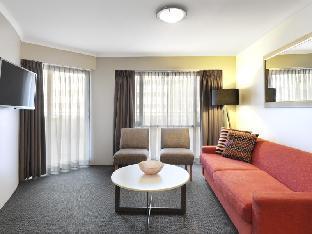 Adina Serviced Apartments Canberra James