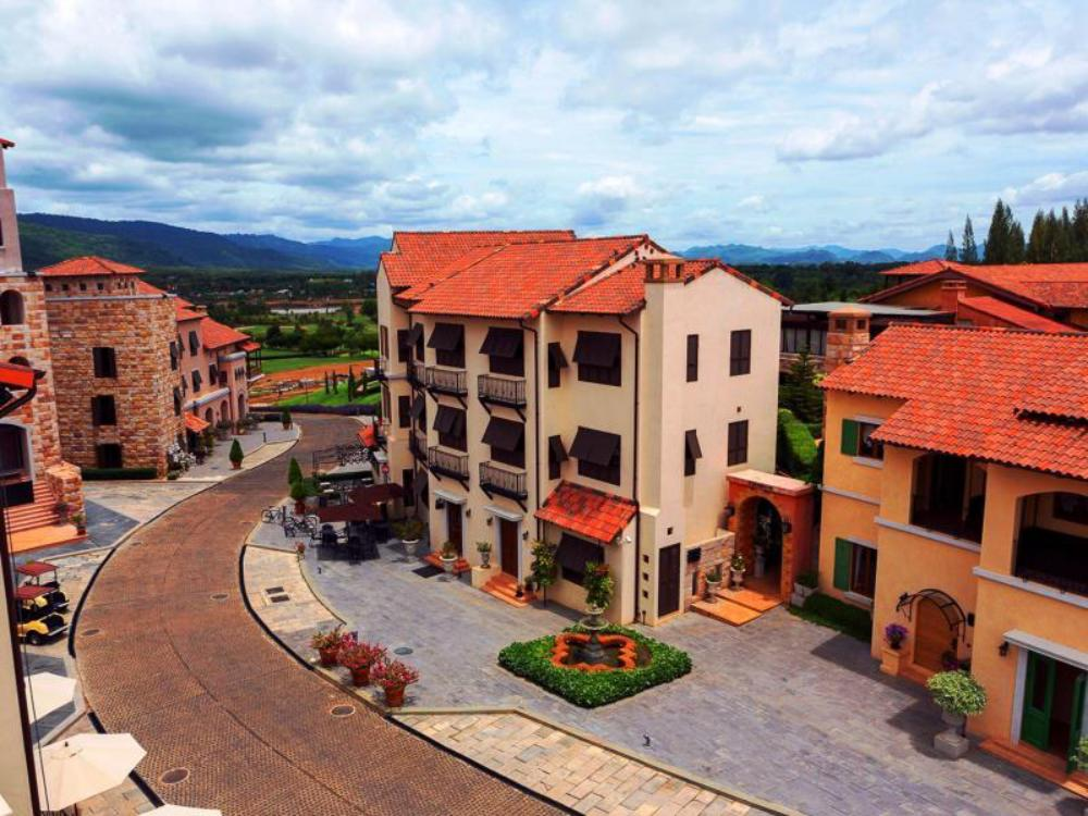 Town Square Suite by Toscana Valley