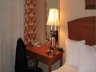 Happy Day Inn Burnaby (BC) - Guest Room