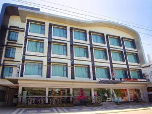 Eloisa Royal Suites