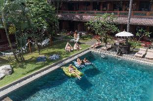 Puri Garden Hotel and Hostel