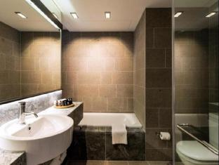 Skycity Grand Hotel Auckland - Bathroom