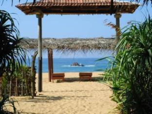 Ravana Beach Cabins