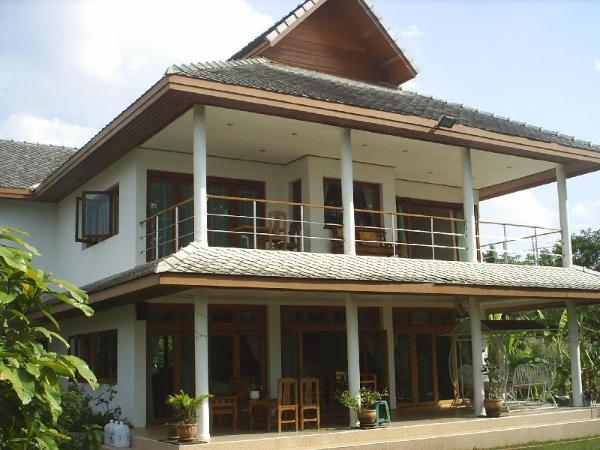 Ban Rim Nam Riverside Resort Nan