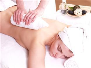 Danubius Health Spa Resort Buk Bukfurdo - Hot towel massage