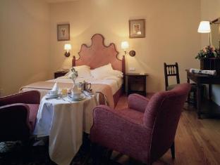 Best guest rating in Pontevedra ➦ Hotel Paris takes PayPal