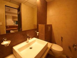 Ajanta Hotel New Delhi and NCR - Bathroom