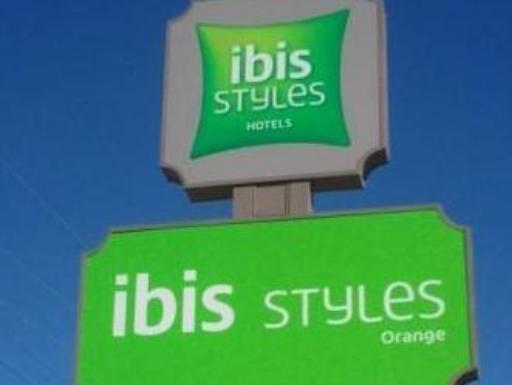 Ibis Hotels Hotel in ➦ Orange ➦ accepts PayPal