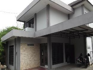 Rumah Lempong Sari Guest House