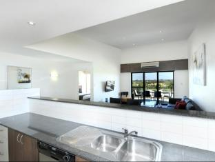 Assured Ascot Quays Apartment Hotel Perth - Kitchen