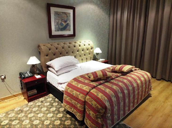Al Bustan Hotel photo 3