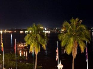 Casa Boutique Hotel Phnom Penh - Riverfront by Night
