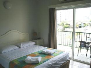 Mediterranean All Suite Hotel Darwin - Guest Room