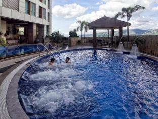 Crown Regency Hotel & Towers Cebu City - Piscina