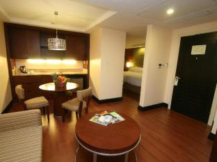 Crown Regency Hotel & Towers Cebu - Junior Suite
