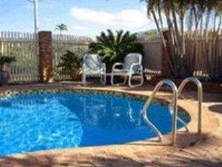 Cascade Motel In Townsville3