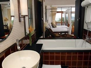 Rising Sun Residence Hotel Пукет - Баня