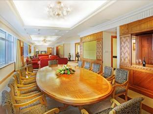 Golden Crown China Hotel Макао - Номер Сьют