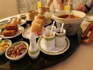 Grand Diamond Suites Hotel Bangkok - Comida y bebida