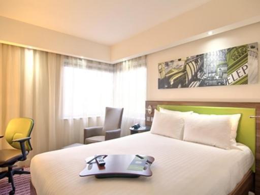 ➦  Hilton Worldwide    (Bavaria) customer rating