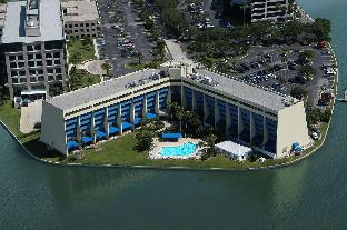 Get Coupons DoubleTree by Hilton Tampa Rocky Point Waterfront