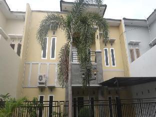 Omah Salakka Guest House Mutiara Kencana