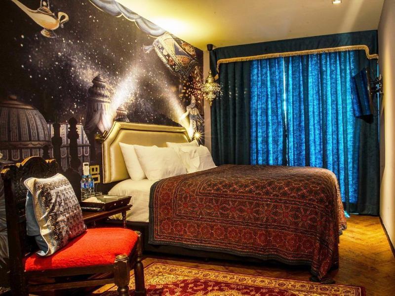 プレイハウス トンロー ホテル(PlayHaus Thonglor Hotel)
