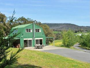 The Barn @ Charlottes Hill PayPal Hotel Healesville